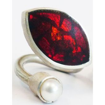 Navett Ring, Red