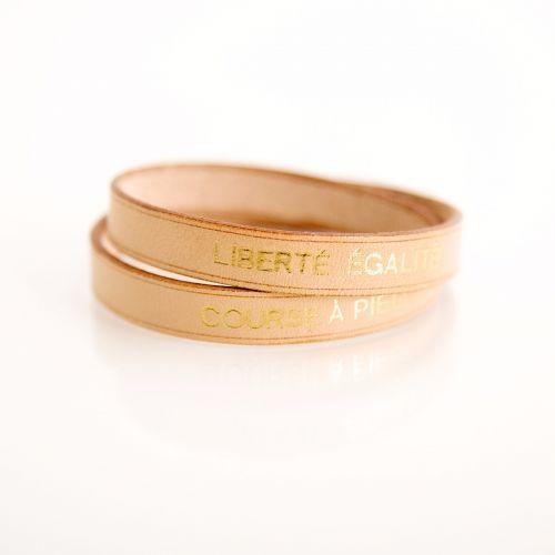 Bracelet en cuir et dorure « Liberté égalité course à pied »