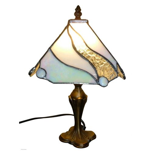 Lampe vitrail tiffany vert allumée