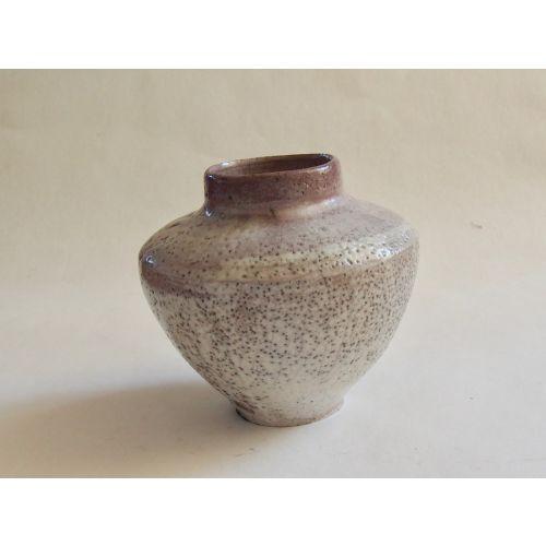 Vase aux nuances violettes